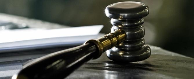 midia-indoor-wap-martelo-leicao-justica-sentenca-veredicto-decisao-1269427626628_956x500